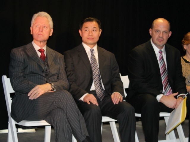 <p>Former President Bill Clinton, City Comptroller John Liu and UFT President Michael Mulgrew sit side-by-side at the press conference on Dec. 13, 2012.</p>