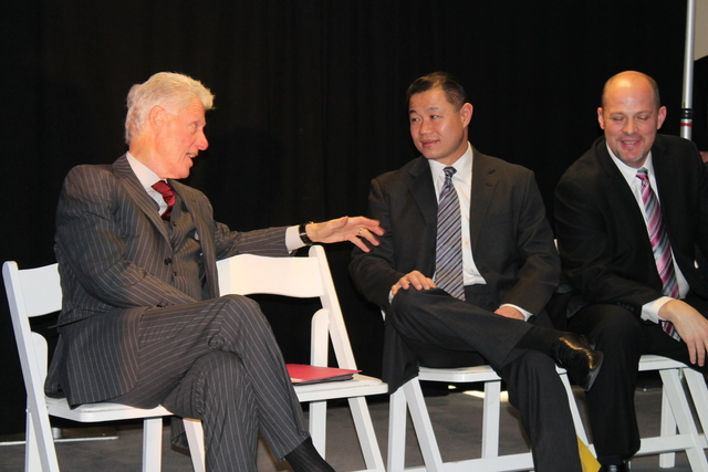 <p>President Bill Clinton and City Comptroller John Liu chatted casually during the press conference.</p>