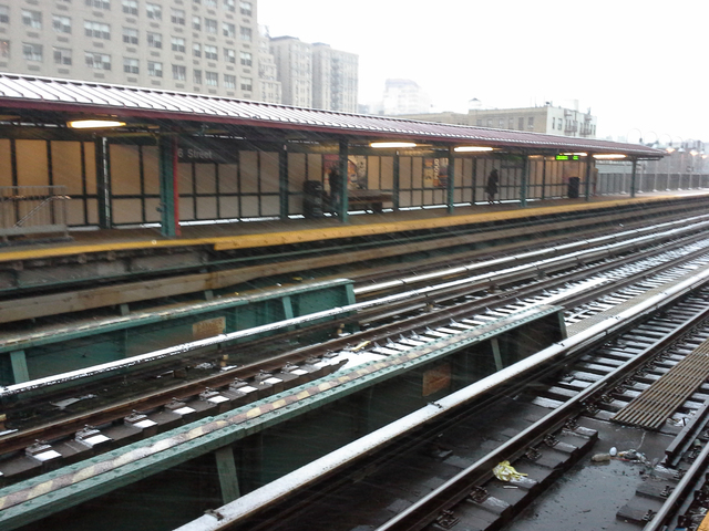 <p>Snow coated train tracks at 96th Street station Wednesday afternoon, Dec. 26, 2012. The MTA suspended 3 Train service between 96th and 148th streets until Thursday, Dec. 27, 2012.</p>
