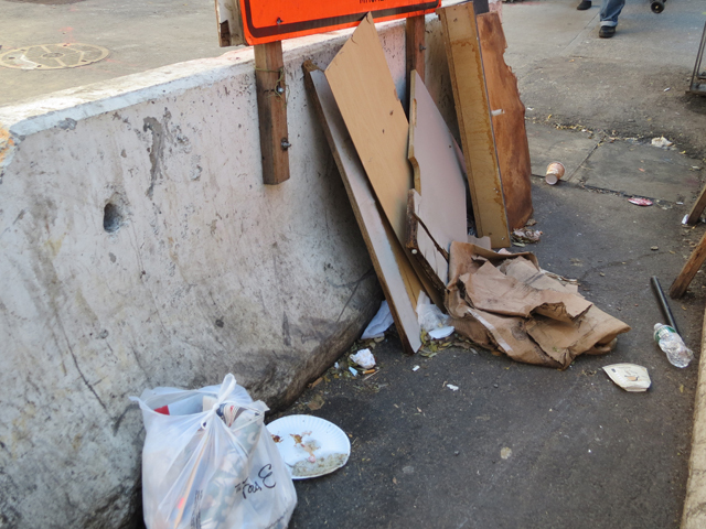 <p>Trash on East 86th Street, near Second Avenue.</p>