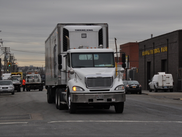 <p>A truck drove on Maspeth Avenue toward Cooper Park despite a no truck traffic sign for the block.</p>