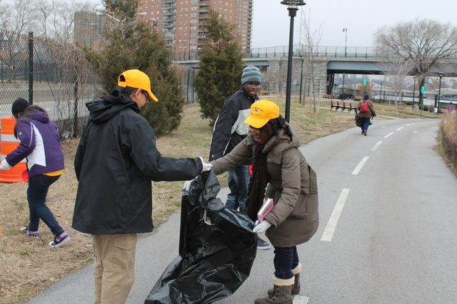 <p>More than 50 people left the armory and headed over to Harlem River Park to pick up trash as a part of the <a href=