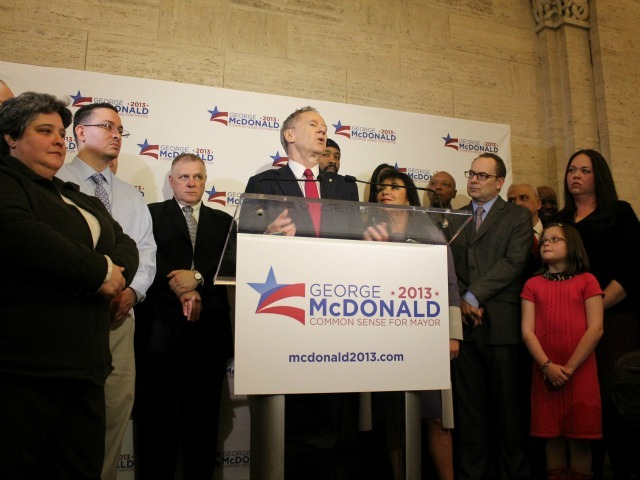 <p>George McDonald stood with his son, daughter and granddaughter in Grand Central Terminal.</p>