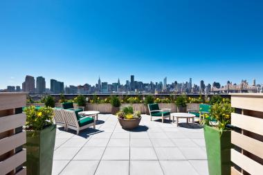 A new report from brokerage firm Modern Spaces says the Astoria market is trending towards luxury.