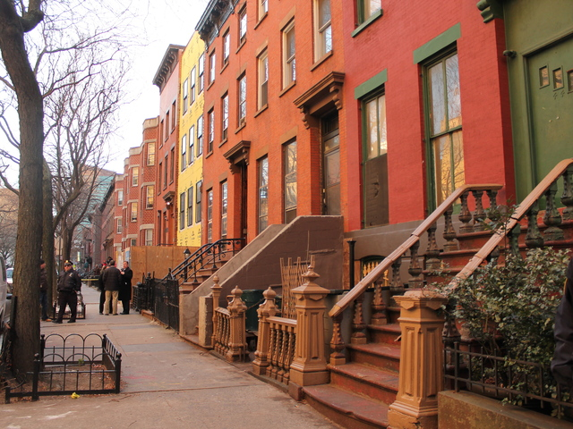 <p>A man was shot at 48 Fort Greene Place after lunging at a woman with scissors Jan. 2, 2013, police said.</p>