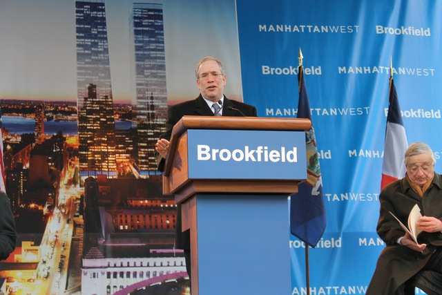 <p>Borough President Scott Stringer speaks at the construction kick-off for Manhattan West.</p>