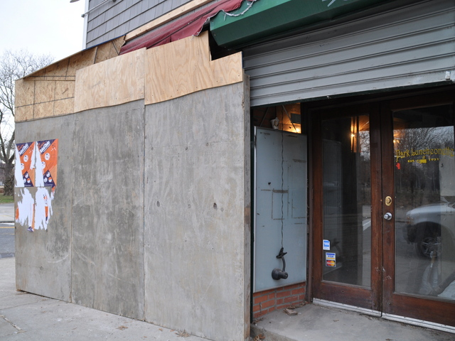 <p>Residents cheered the luncheonette&#39;s slated reopening by restaurateur Ted Mann.</p>