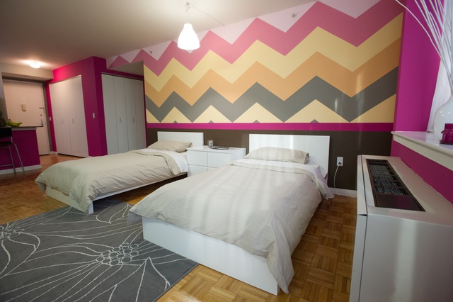 <p>Long a iconic pattern in fashion, Katherine De Luca used chevron on the walls of some of the &quot;Project Runway&quot; apartments.</p>