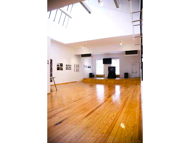 <p>The Jazz Gallery now hosts shows in the Salt Space, an arts and events venue on Broadway near East 27th Street. The location is run by The Gallery Church.</p>