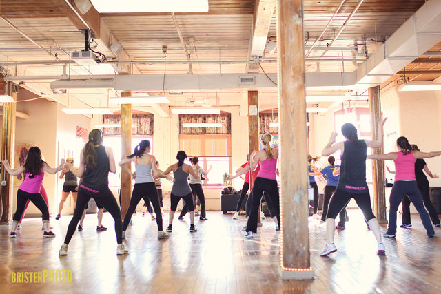 <p>Aside from the fitness classes, which are offered seven days a week, 305 Fitness also offers pop-up fitness classes once a month in lofts and nightclubs all around the city.</p>