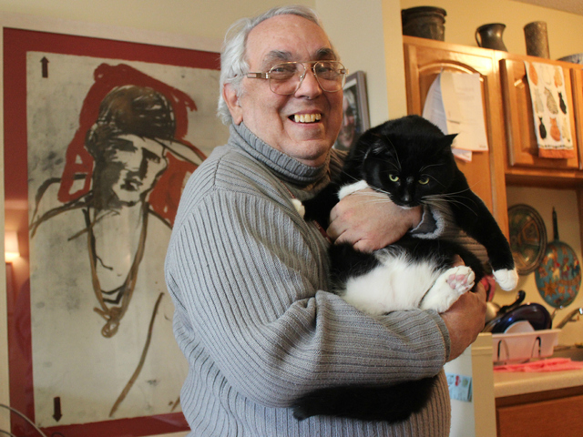 <p>Owner Mario Romero said that Alejandro &mdash; and cats in general &mdash; have allowed him to love humanity once again.</p>