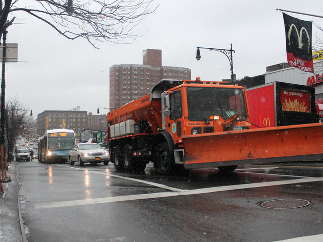<p>Snow plows are already sweeping the streets of Inwood hours before Winter Storm Nemo arrives.</p>