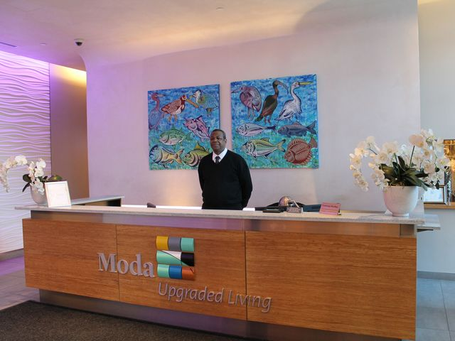 <p>Moda provides Manhattan-style amenities to its tenants, including 24/7 concierge services.</p>
