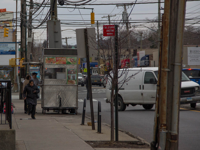 <p>Staten Island residents have complained that the growing number of halal food trucks that are setting up shop in front of parking lots are making traffic worse in those areas, Feb. 25, 2013.</p>