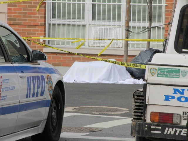 <p>Parts of a body were scattered in bags around a Bronx neighborhood early Tuesday morning.</p>