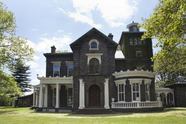 Friends of Steinway Mansion want to find a buyer for the property, in hopes of making it a public space.