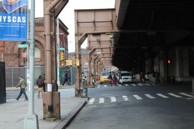 Joel Azumah said his Interstate Bus would leave four times daily from this location at Park Avenue between 124th and 125th streets.