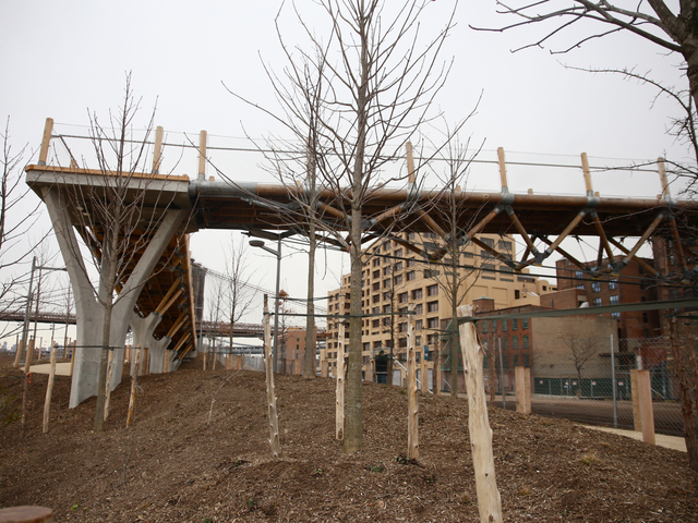 <p>Squibb Bridge was made from 100,000 pounds of wood.</p>
