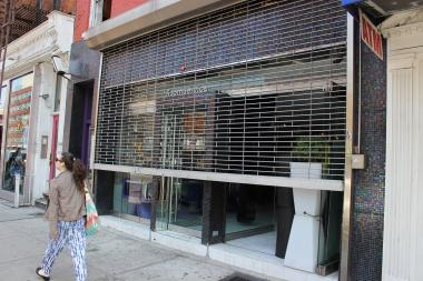 Inspectors found roaches and evidence of mice at the popular Chelsea Thai spot.