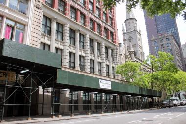 Residents are seeking to landmark the Bancroft Building on West 29th Street in Midtown.