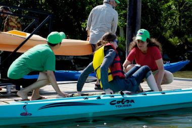 The Inwood Canoe Club hosts weekly tours along the Hudson River during the summer.