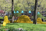 Art Made From 1.4 Million Feet of Rope Debuts in Madison Square Park