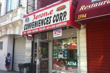 A man died after swallowing a bag of white power in a Bronx bodega, police said.