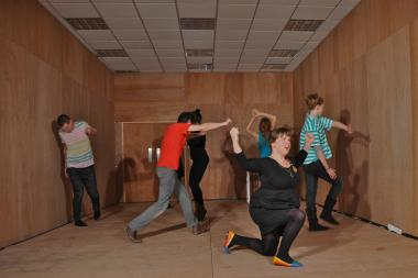 Harriet Plewis will lead a workshop at DE-CONSTRUKT called Dance School NYC in Red Hook.
