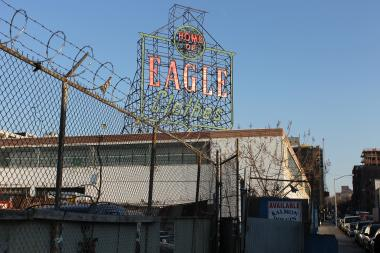 U-Haul is hoping to get city permission to restore the Eagle Clothes sign to the Brooklyn skyline.