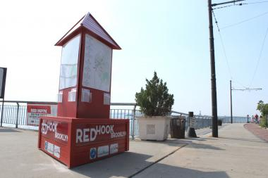 A new visitors' kiosk at the waterfront near Fairway will help guide tourists through the neighborhood.