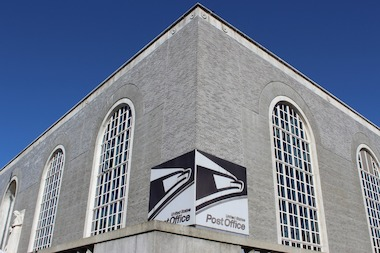 Critics say the USPS should find ways to keep open the iconic New Deal-era building.
