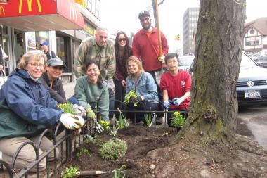 A group of volunteers will plant flowers along Continental Avenue.