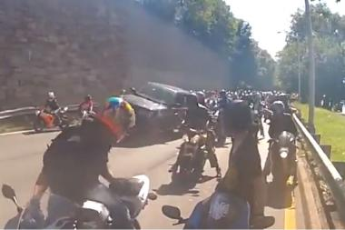 A dramatic 6-minute video captured a high-speed car chase between an SUV and dozens of motorcyclists after the SUV hit one of the cyclists on the Henry Hudson Parkway near 125th Street. The bikers followed him to 178th Street and beat him on Sunday afternoon, cops said.