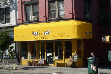 female thieves strike park slope jewelry store cops say