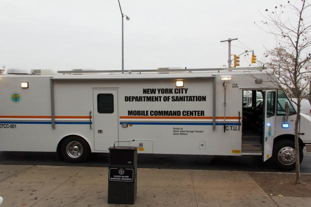 City unveils sanitation mobile command centers for staten for New york state department of motor vehicles bronx ny