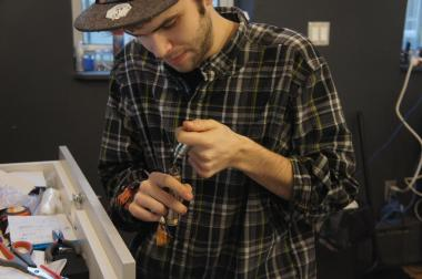 A new e-cigarette lounge in Crown Heights is offering local smokers a place to light up without fear of getting ticketed. Community Board 8 approved a beer and wine license for the spot on March 3, 2014.