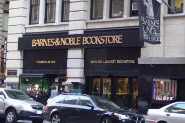 Barnes & Noble at 105 Fifth Ave. closed on Monday.