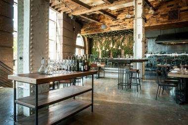 New York restaurants are all about creating an interior that matches the ideals of the farm-to-table movement.