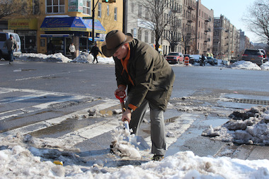 "Daniel Pincus wants Inwood residents to commit ""random acts of shoveling"" for one another."