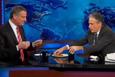 Mayor de Blasio and Jon Stewart shared pizza during The Daily Show on Monday night.