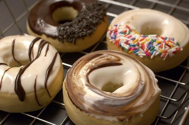 Holey Donuts! makes low-calorie, low-fat doughnuts using a patented cooking process that results in pastries identical to regular doughnuts, according to owner Frank Dilullo.