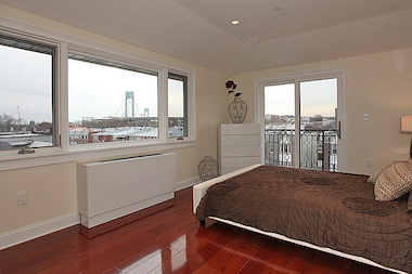 As Williamsburg home prices skyrocket, Bay Ridge may be picking up some of its slack.
