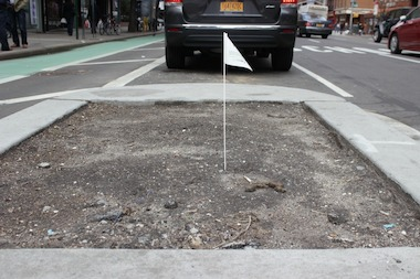 The planting beds along First Avenue are in need of beautification, residents say.