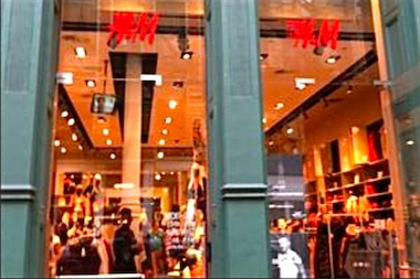 A woman accidentally left her $10,000 engagement ring in an H&M dressing room in SoHo.