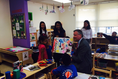 Mayor Bill De Blasio visits a pre-K class at the A to Z Center in Queens Village.