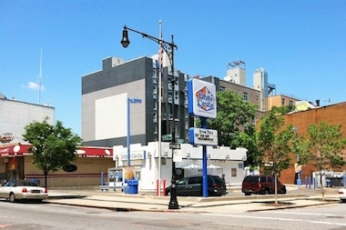 A proposed Karl Fischer building would have 27 residential units and 5,900-square-feet of retails space at the White Castle site in Clinton Hill.