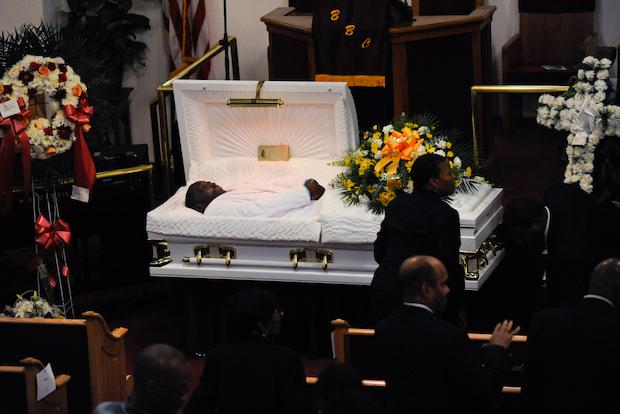 Eric Garner Remembered As Family Man At Packed Brooklyn