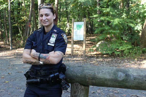 Uniform dating policemen