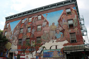 East Harlem Resident Captures the History of El Barrio Through Its Murals