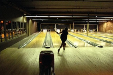 Williamsburg S The Gutter To Open Bowling Alley In Long